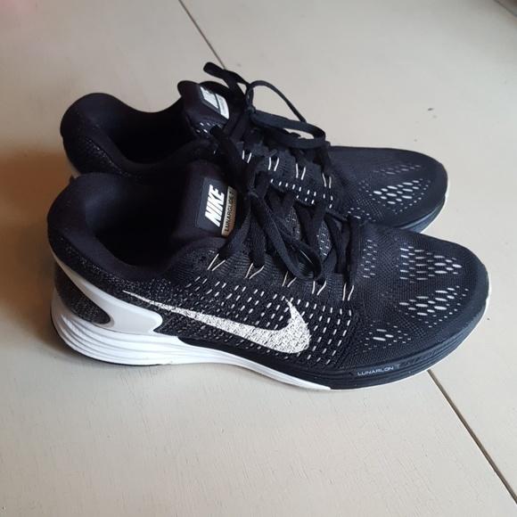 Nike Shoes - Nike Lunarglide 7 Sneakers